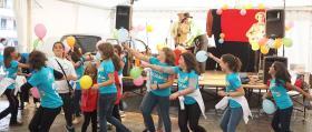 Escena_Payasos y fiesta en carpa