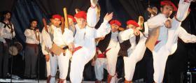 Escena_Danzas-vascas-tradicionales_1